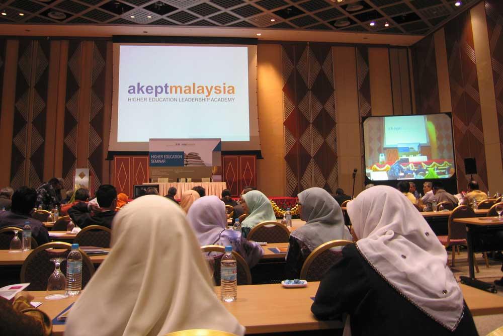 sumbangan wanita kepada pembangunan negara sudut sosial